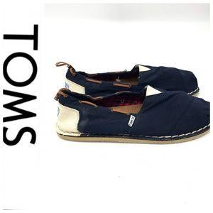 💕SALE💕 Toms Navy Blue & Off White Deck Shoes